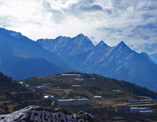 https://www.himalayanglacier.com/wp-content/uploads/2020/03/Mt.-Thamserku-view-from-Namche-2.jpg