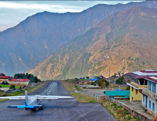 https://www.himalayanglacier.com/wp-content/uploads/2020/03/lukla-airport.jpg