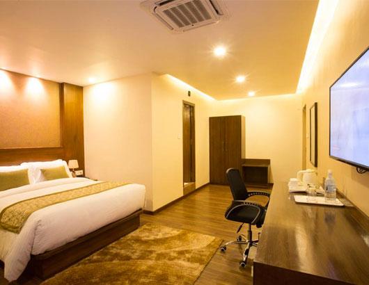 https://www.himalayanglacier.com/wp-content/uploads/2020/03/yatri-suitesand-spa-room.jpg