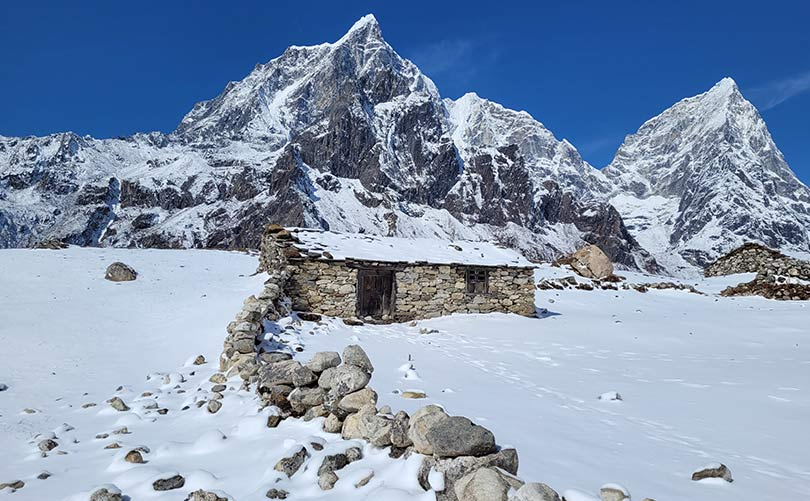Beautiful photo of Everest Region during Winter Season;  which can be a best time to trek to Everest Base Camp if you enjoy snow